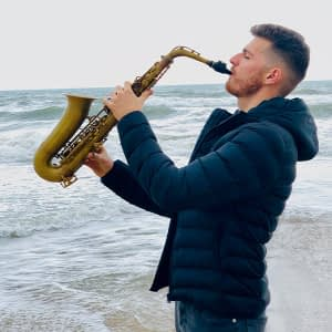 hire saxophone player near me