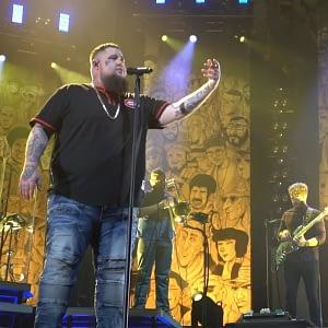 rag n bone man on stage